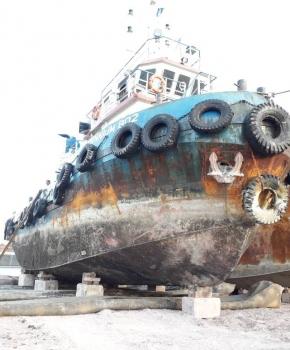 Upslip-repair-tugboat